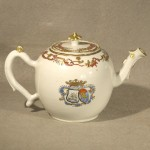 Antique Chinese Export Porcelain Armorial Tea Pot, Ca. 1770